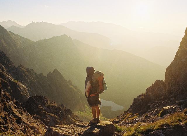 Best Hiking Shorts for Men & Women 2020, FREE Buyer Guide