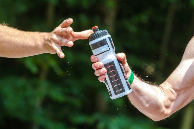 Best Hiking Water Bottle: TOP 10 Water Bottle for Hikers [2020 Updated]